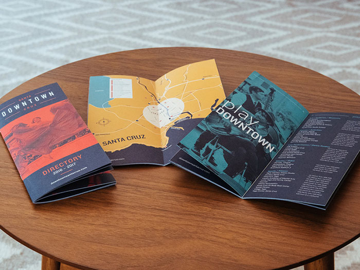 dtscbrochure_dribbble Inspiración de diseño de folletos (64 ejemplos de folletos modernos)