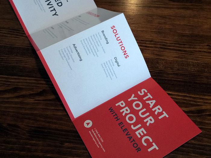 shot Inspiración de diseño de folletos (64 ejemplos de folletos modernos)