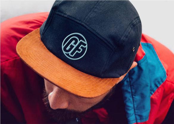 Plantillas de maquetas con logotipos Cap-With-Realistic-Embroide para descargar y usar para presentar sus logotipos