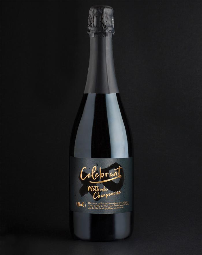 celebrant_sparkling_wine_bo Cómo diseñar etiquetas de vino para atraer la atención de los clientes