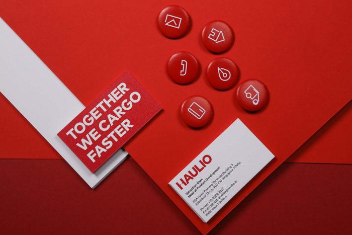 haulio-2000x1333-700x467 Compañías de diseño gráfico cuyo trabajo debe revisar