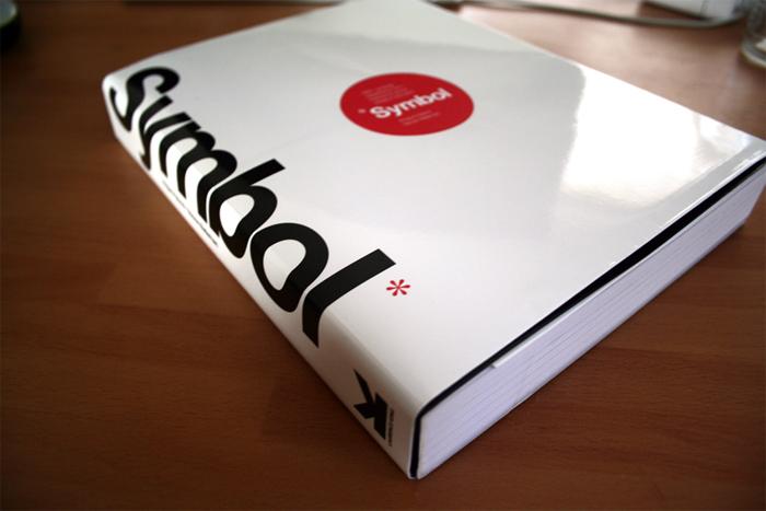 symbol Libros de diseño de logotipos que lo ayudarán a convertirse en un mejor diseñador de logotipos.