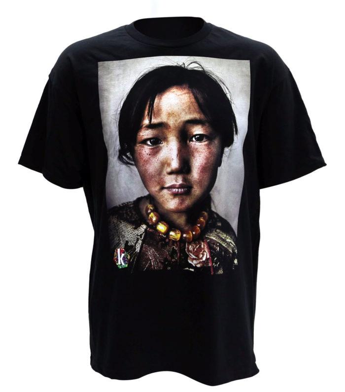 DTG-2-700x797 Cómo diseñar una camiseta: la mejor guía en línea