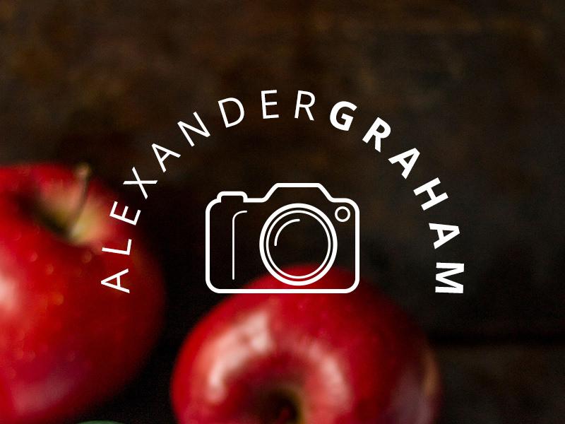 Limpia el logo de la cámara réflex digital.