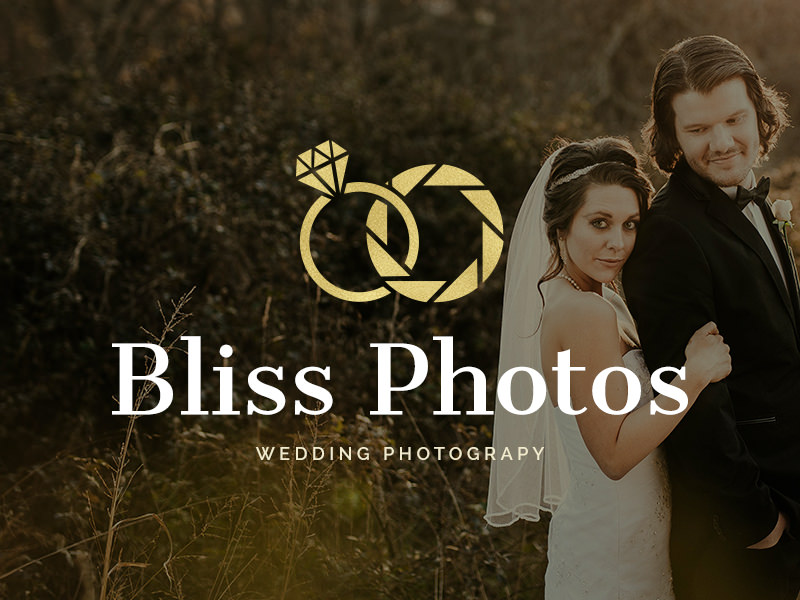 Anillo de bodas y fotografía de apertura logo
