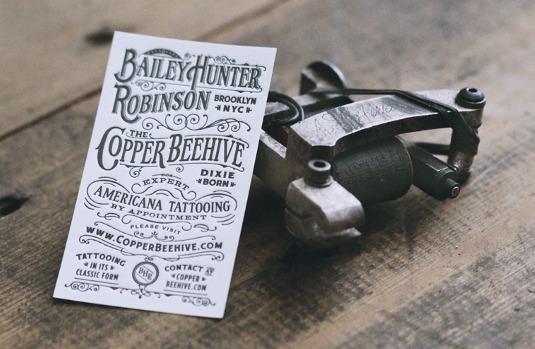 Tarjetas de presentación tipográficas con ejemplos