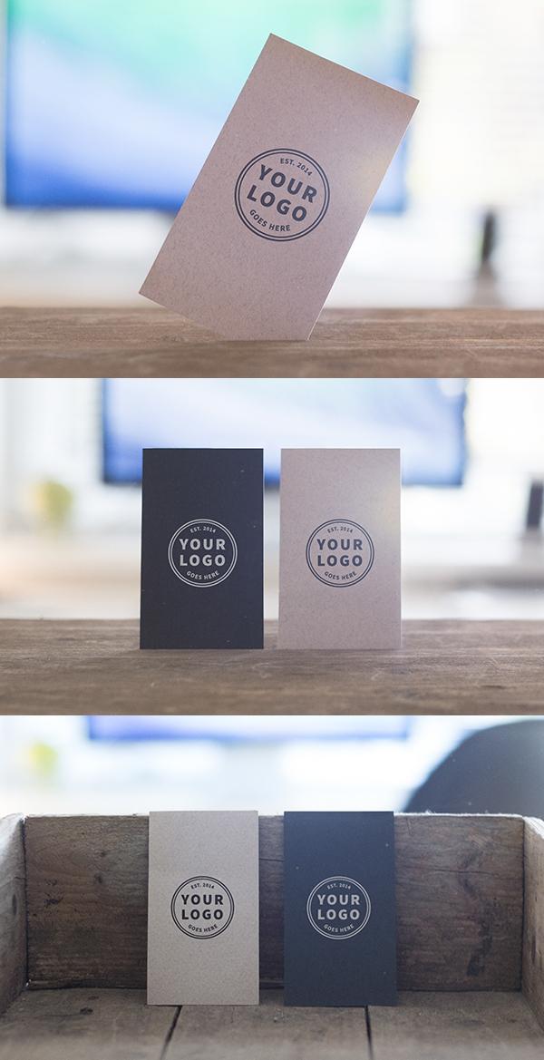Maquetas de tarjetas de visita de pie gratis