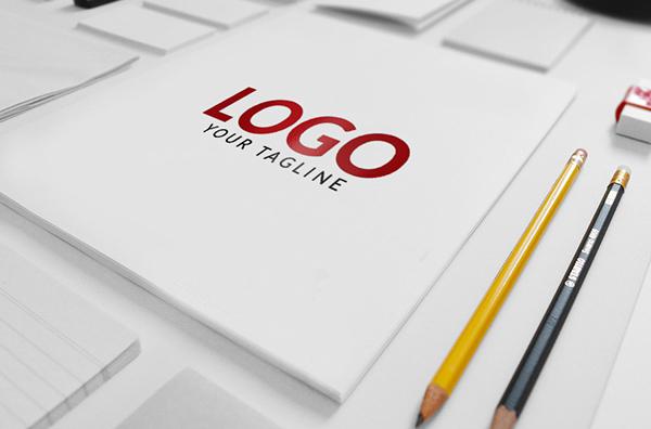 Maqueta PSD de marca / logotipo