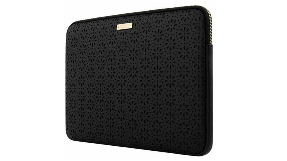 La mejor funda para portátil: Kate Spade New York Perforated Leather Laptop Sleeve