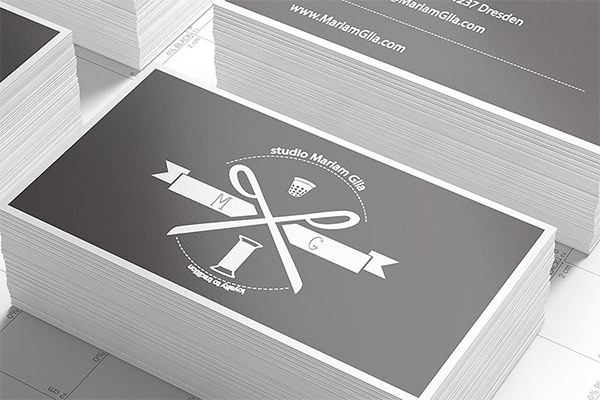 Limpia maquetas de tarjetas de visita con Studio Light